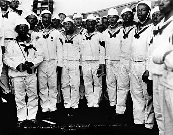 Pesquisadores afirmam que a maior parte da Marinha brasileira era composta de homens negros (Foto: Imagem retirada do site Brasil de Fato)