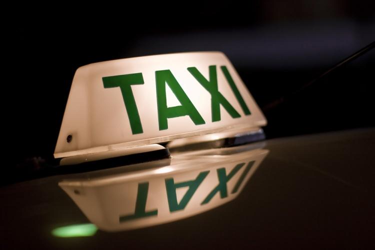 luminoso-de-taxi