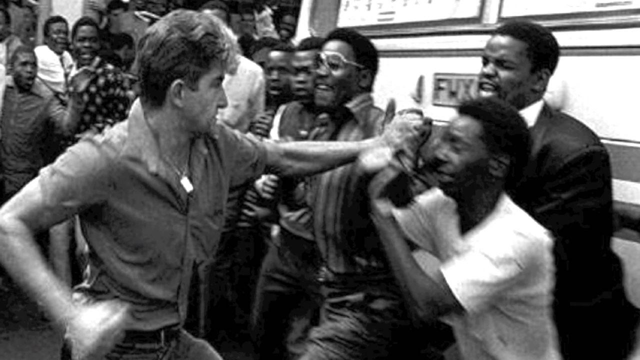Racistas sul-africanos: parceiros incômodos