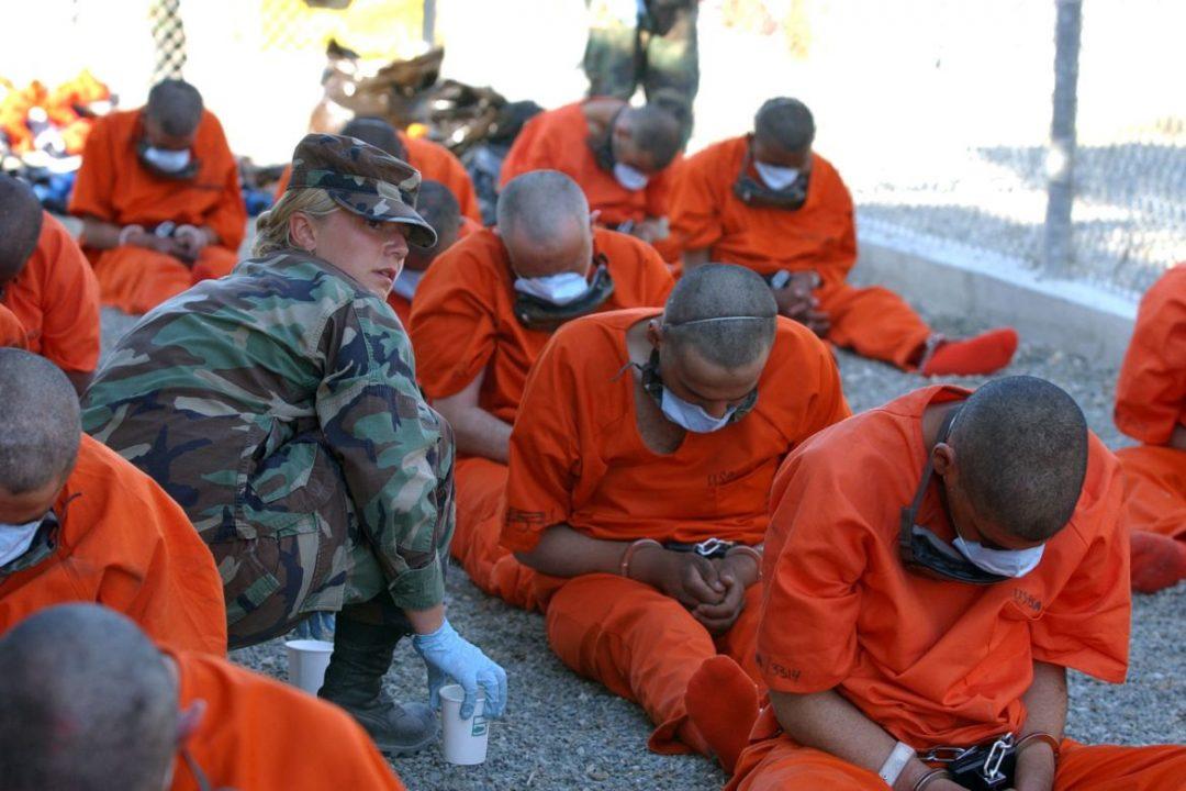 Esquerda e direita criticam solução para Guantánamo