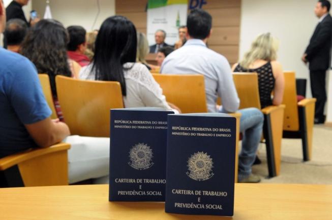 Governo estende seguro desemprego para 216,5 mil trabalhadores