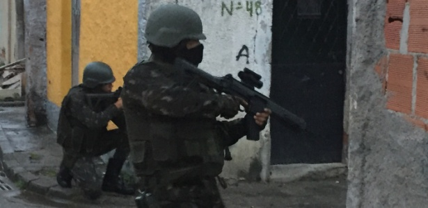 Rio anuncia tropa permanente em mais duas favelas