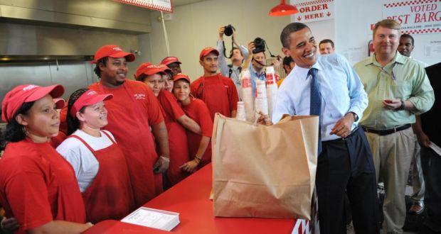 Barack Obama, surpreende funcionários da lanchonete