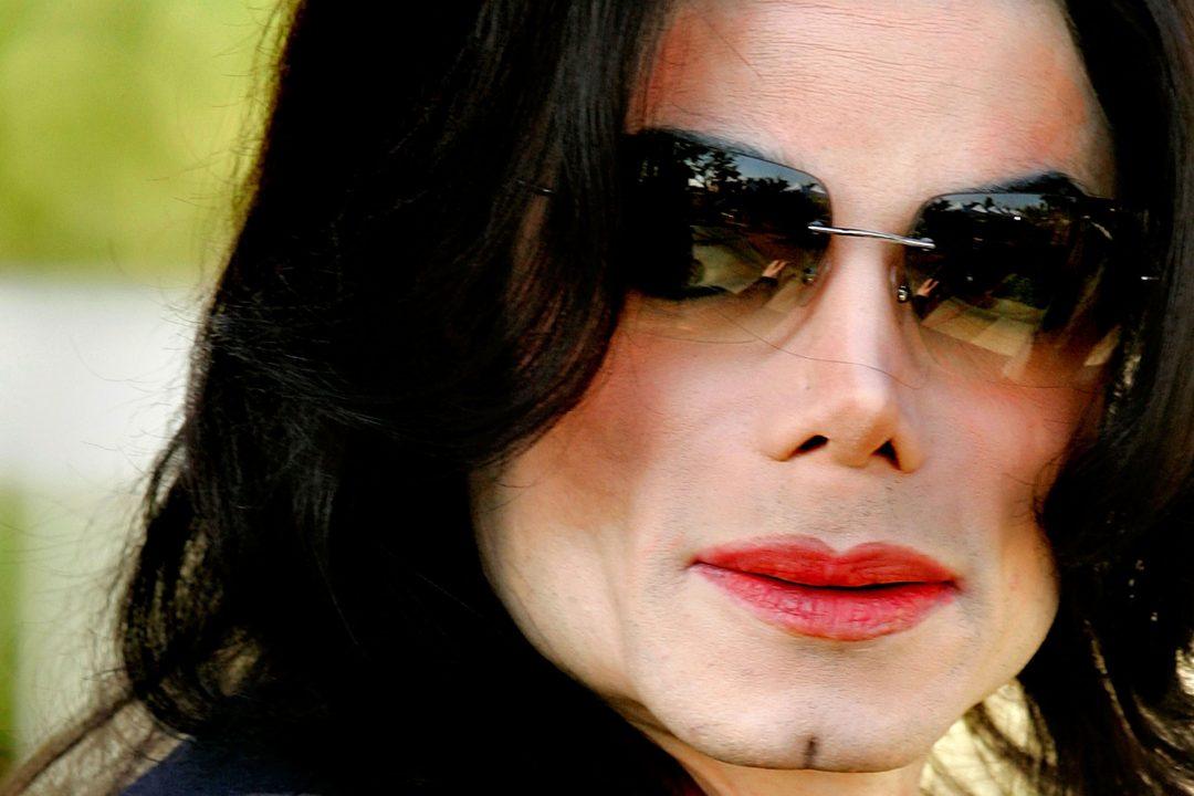 Michael Jackson vai virar estátua na favela Dona Marta