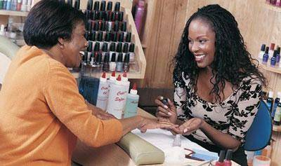 Curso gratuito Manicure e Pedicure Profissional