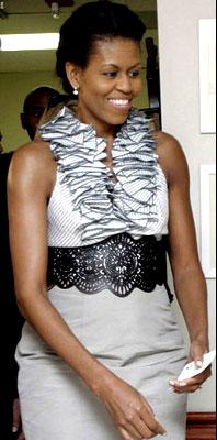 Primeira-dama dos EUA, Michelle Obama é exemplo de mulher com braços torneados