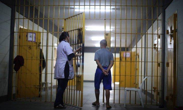 Projeto que reduz maioridade penal avança no Senado