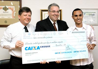 Aluno (que foi candidato cotista) ganha prêmio de melhor aluno universitário