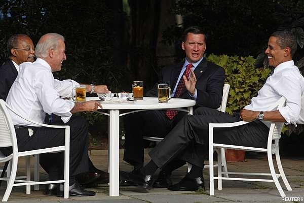 Obama toma cerveja com homens envolvidos em polêmica racial nos EUA