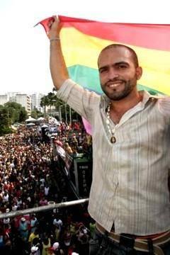 Porto Seguro: Tenente gay concede entrevista