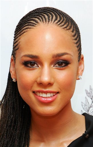 Alicia Keys vem ao Brasil gravar clipe com Beyoncé na favela