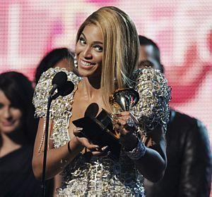 Beyoncé faz história no Grammy e leva seis prêmios