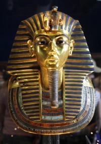 Tutancâmon morreu de malária combinada com infecção óssea