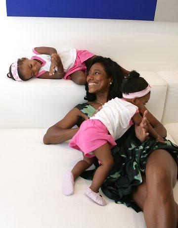 Glória Maria volta à TV depois de dois anos e fala da felicidade de ser mãe