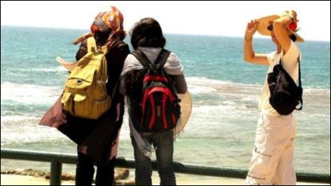 Mulheres israelenses 'contrabandeiam' palestinas em ato de desobediência civil