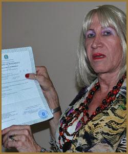 Travesti gaúcha consegue inédita mudança de nome na certidão de nascimento
