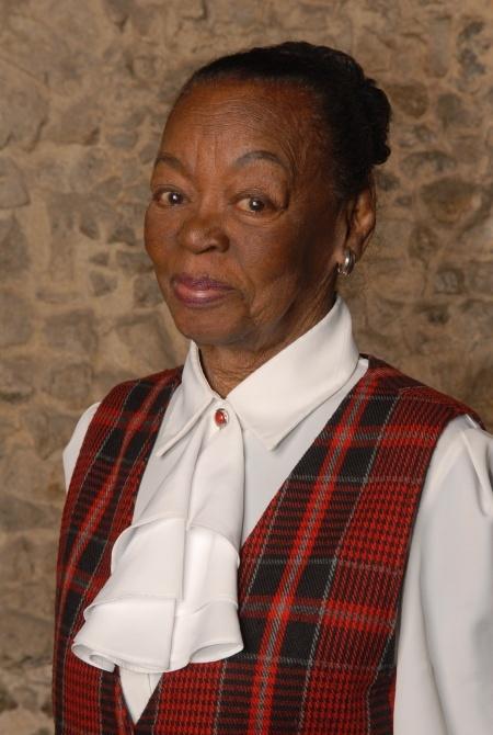 Ruth de Souza completa hoje 90 anos
