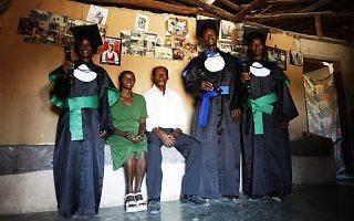 Conheça as histórias da primeira turma de descendentes de escravos, do Quilombo Kalunga, no sertão goiano, a se formar no ensino médio