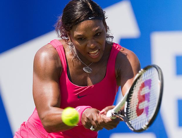 Após quase um ano, Serena volta às quadras com vitória em Eastbourne