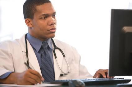 Negros e mulheres têm menos acesso a cirurgias que homens brancos, diz Ipea
