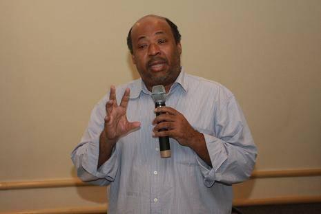 Athayde Motta - diretor do Fundo Baobá: Negro sofre 'discriminação institucionalizada' na saúde