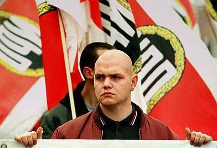 Extrema-direita: UE desvaloriza aumento da radicalização?