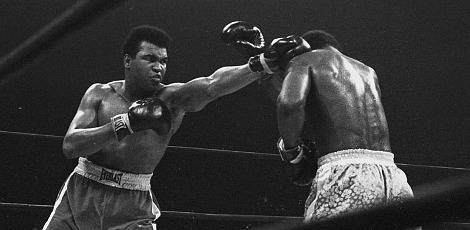 Objetos autografados por Muhammad Ali vão a leilão