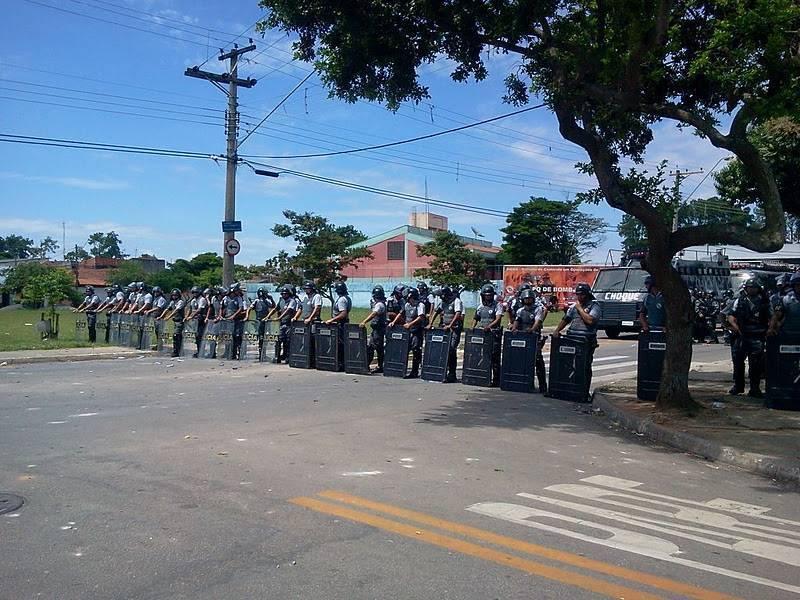 Pinheirinho: PM usa 1,8 mil homens em ação de reintegração de posse em São José dos Campos