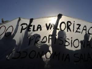 Fracassa tentativa de acordo para acabar com greve de policiais baianos