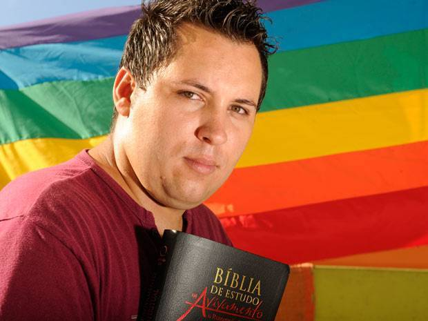 Expulso por ser gay, pastor cria igreja voltada a homossexuais no RS