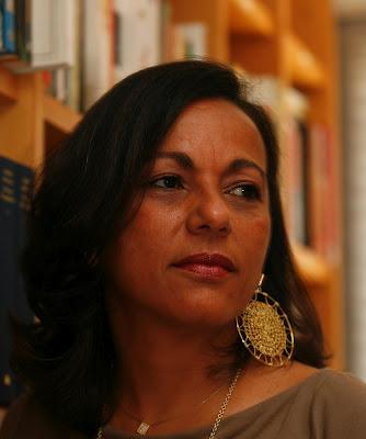 Suzana Varjão - 'Micropoderes, macroviolências'