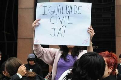 Casamento civil homoafetivo começa a valer sexta-feira em São Paulo