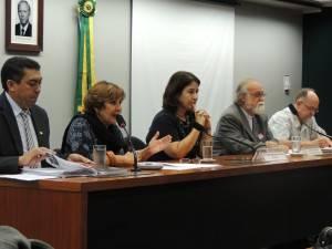 Frente de Direitos Humanos recebe apoio de entidades religiosas