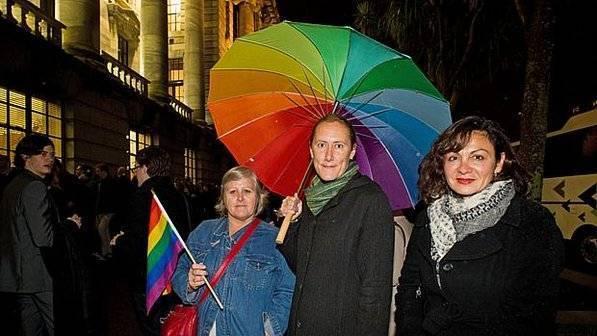 Nova Zelândia torna-se o 13º país a legalizar o casamento gay