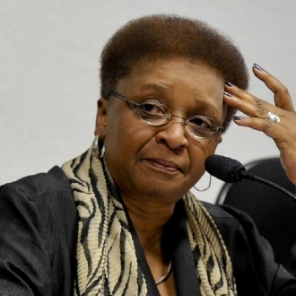 -ministra-da-Secretaria-Especial-de-Promocao-da-Igualdade-Racial-Luiza-Bairros-0dked515529-f3