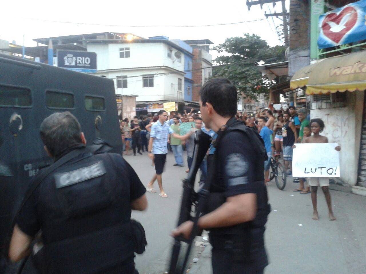 Nota contra a violência policial: após protestos polícia realiza chacina na Maré