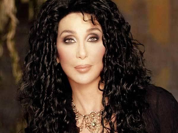 Em apoio a homossexuais, Cher recusa convite para abrir Jogos de Inverno na Rússia