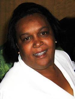 Solimar Carneiro atuou durante 16 anos como Secretária Executiva de empresas e órgão municipal em São Paulo Membro fundadora de Geledés – Instituto da Mulher Negra