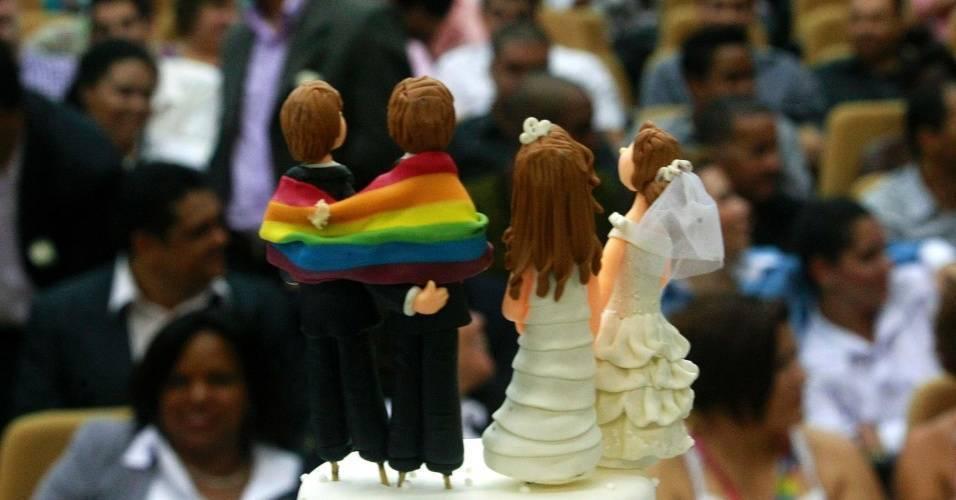 Casamento coletivo reúne 130 casais homoafetivos no Rio de Janeiro