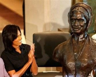 Michelle Obama e Hillary homenageiam Sojourner Truth negra que lutou contra escravidão