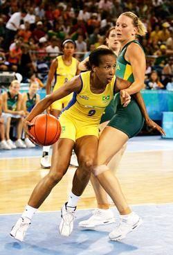 2001-2002: Classificada a quarta jogadora na WNBA em marcação. Liderou os Comets em pontos em 17 ocasiões e vez quatro rebotes.