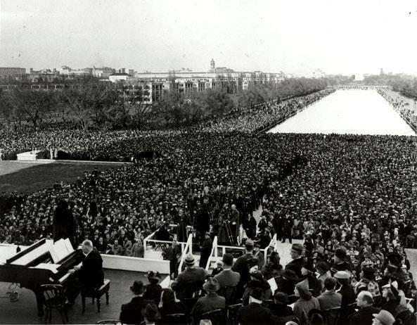 Marian Anderson Anderson apresentando-se no Lincoln Memorial, 1939