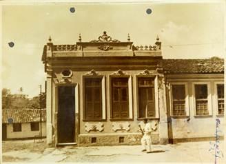 Boas lembranças da infância na casa dos pais, em Salvador, onde Milton Santos recebeu sua educação primária.