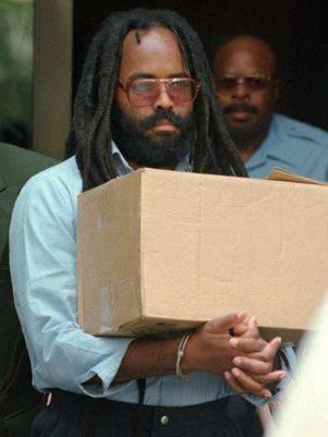 Vitória: Mumia Abu-Jamal, do panteras negras, não será mais executado