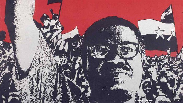 1975 – Cabo Verde torna-se independente