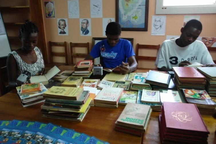 São Tomé e Príncipe015