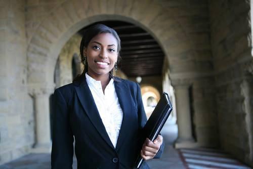 Algumas considerações sobre ser mulher negra e estudante de Direito