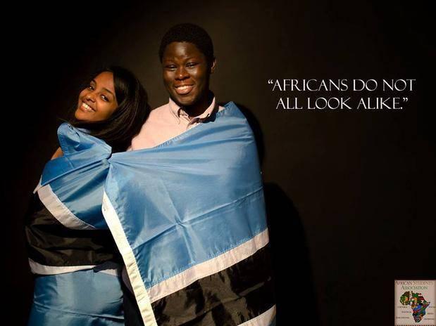"""Cada uma das imagens mostra uma mensagem para refutar comentários ofensivos que os estudantes costumam ouvir. """"Os africanos não são todos parecidos"""" é uma delas"""