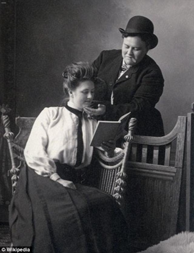 Anna Moor e Elsie Dale (1900).