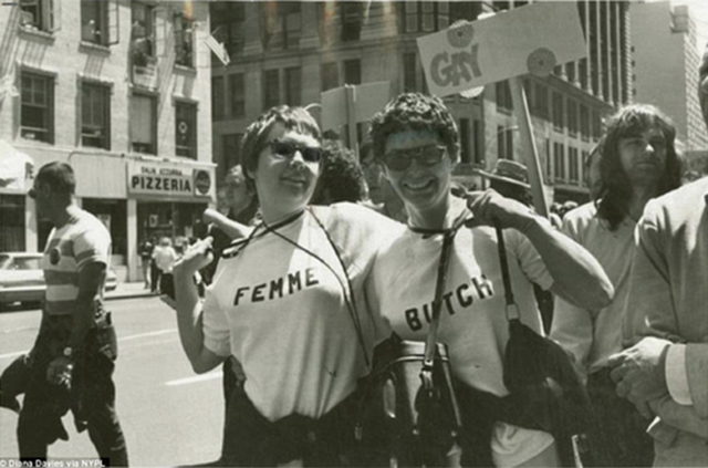 Casal em protesto (1970).